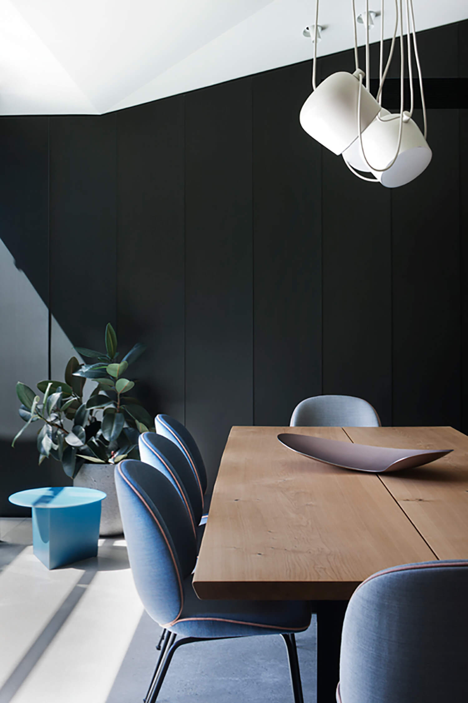 Find Out Why Aim by Flos Will Fit Every Dining Room Lighting Design! 4