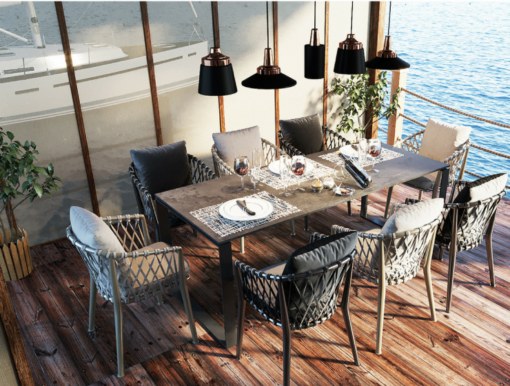 Home By the Sea With Stunning Dining Room Lighting