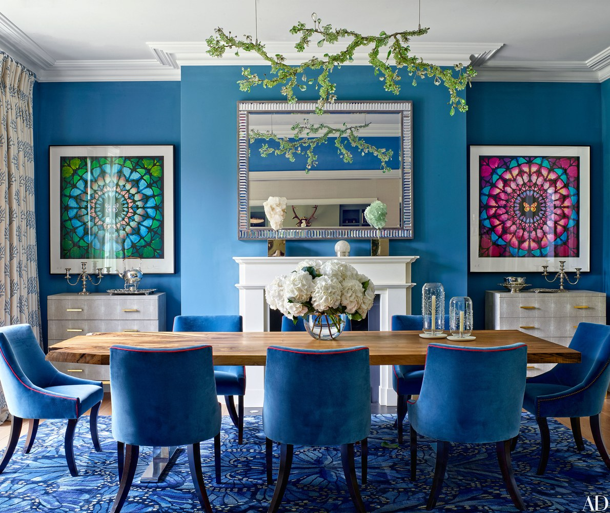 This Dining Room Is Bold Unique And Innovative The Smashing Table Chairs In Bright Blue Looks Exquisite Outstanding Rug That