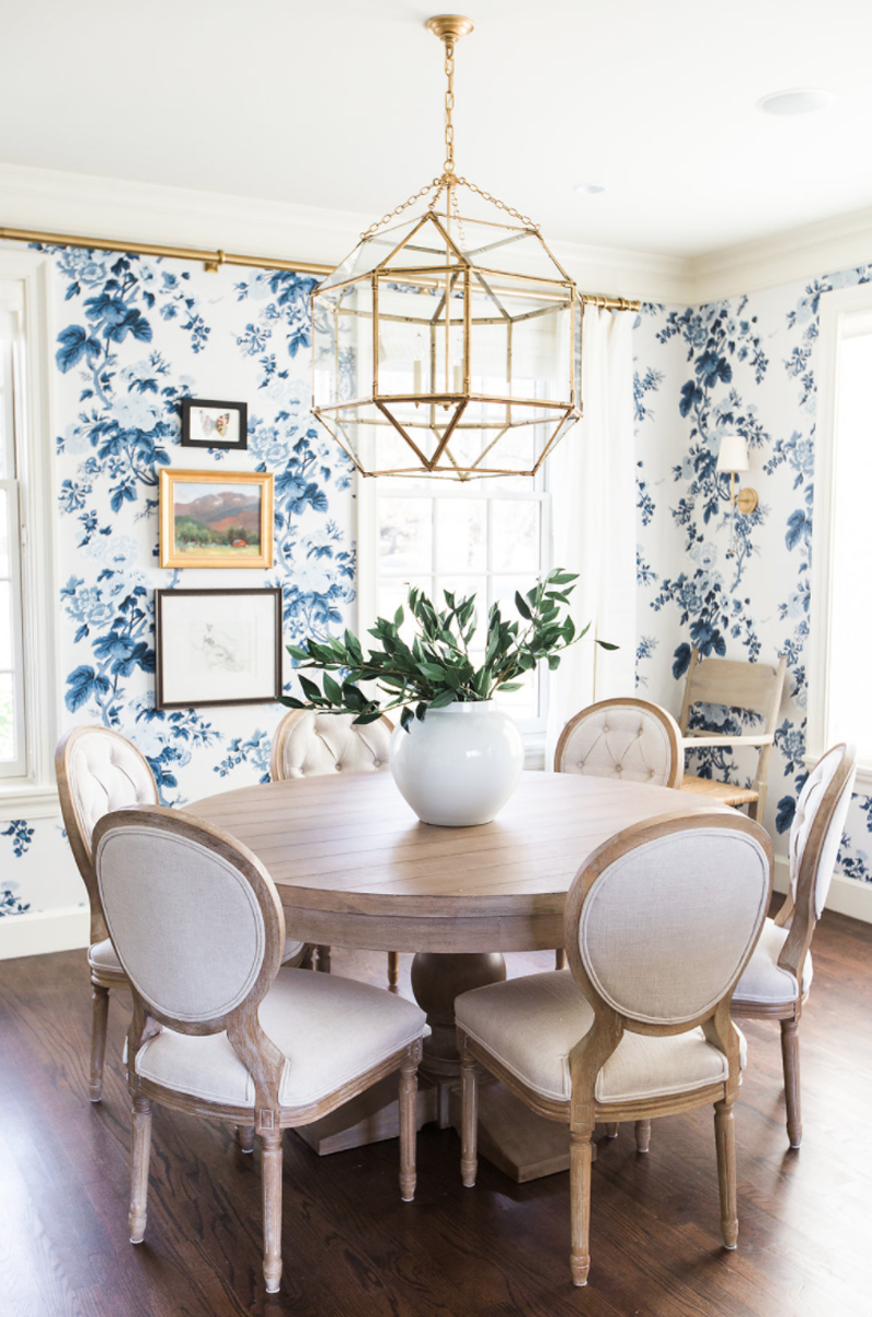 If You Want To Introduce The Color Blue In Your Dining Room Decor But Not  In Big Propositions How About Go For A Wallpaper? This Room Is The Perfect  Example ...
