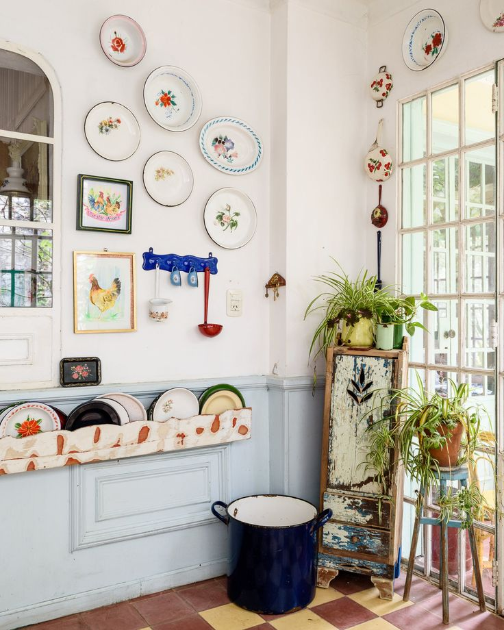 A Buenos Aires Home with A Dreamy Vintage Dining Room 4