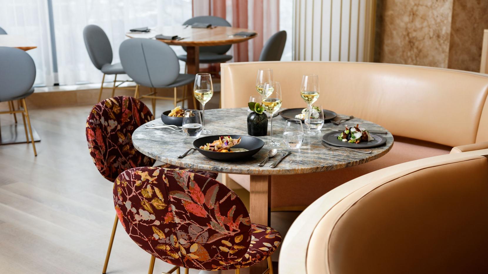 A Mid-Century Modern Restaurant with A Botanical Inspiration 1