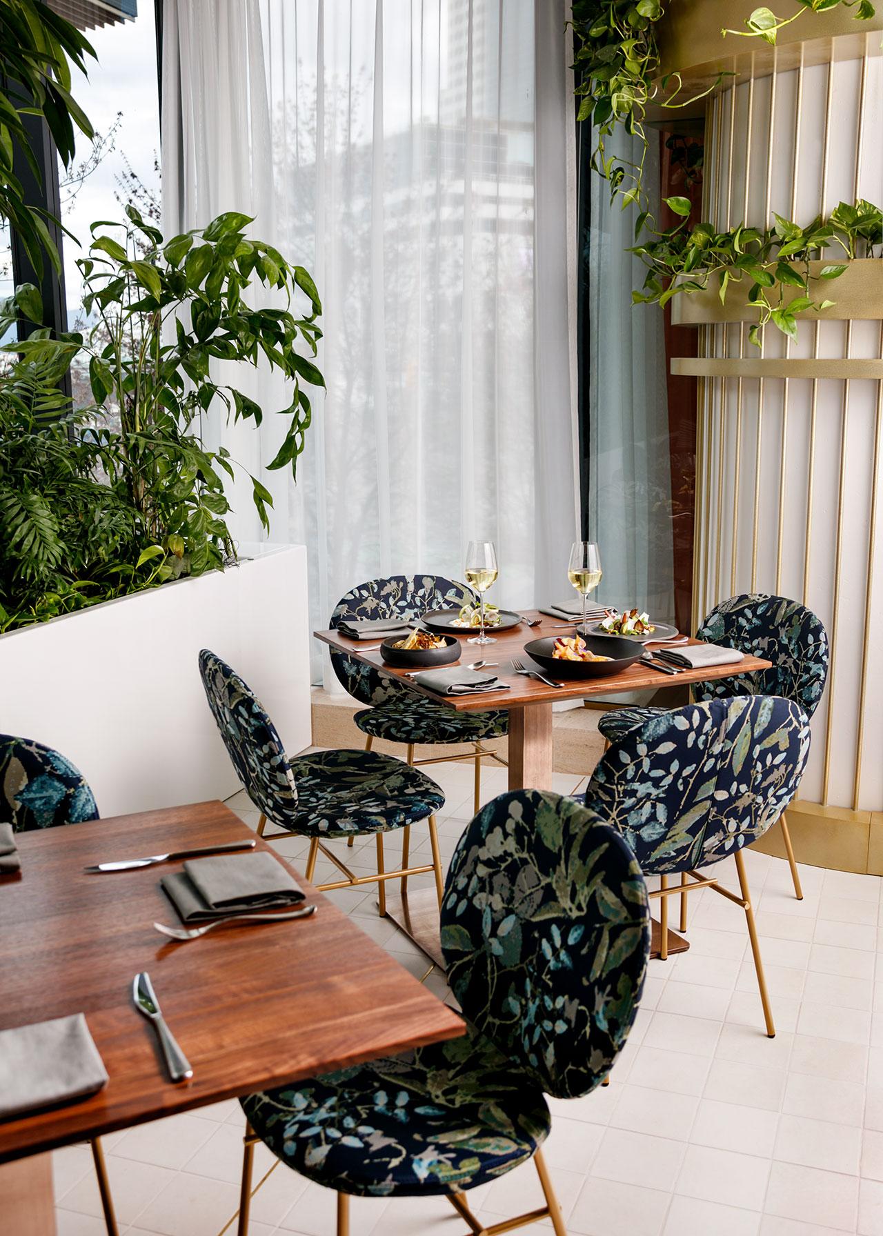 A Mid-Century Modern Restaurant with A Botanical Inspiration 3