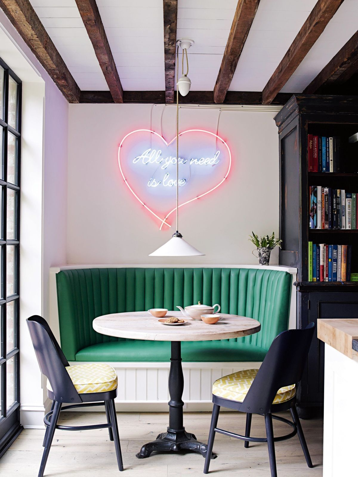 Interior Design Tips to Make the Most of Your Small Dining Room