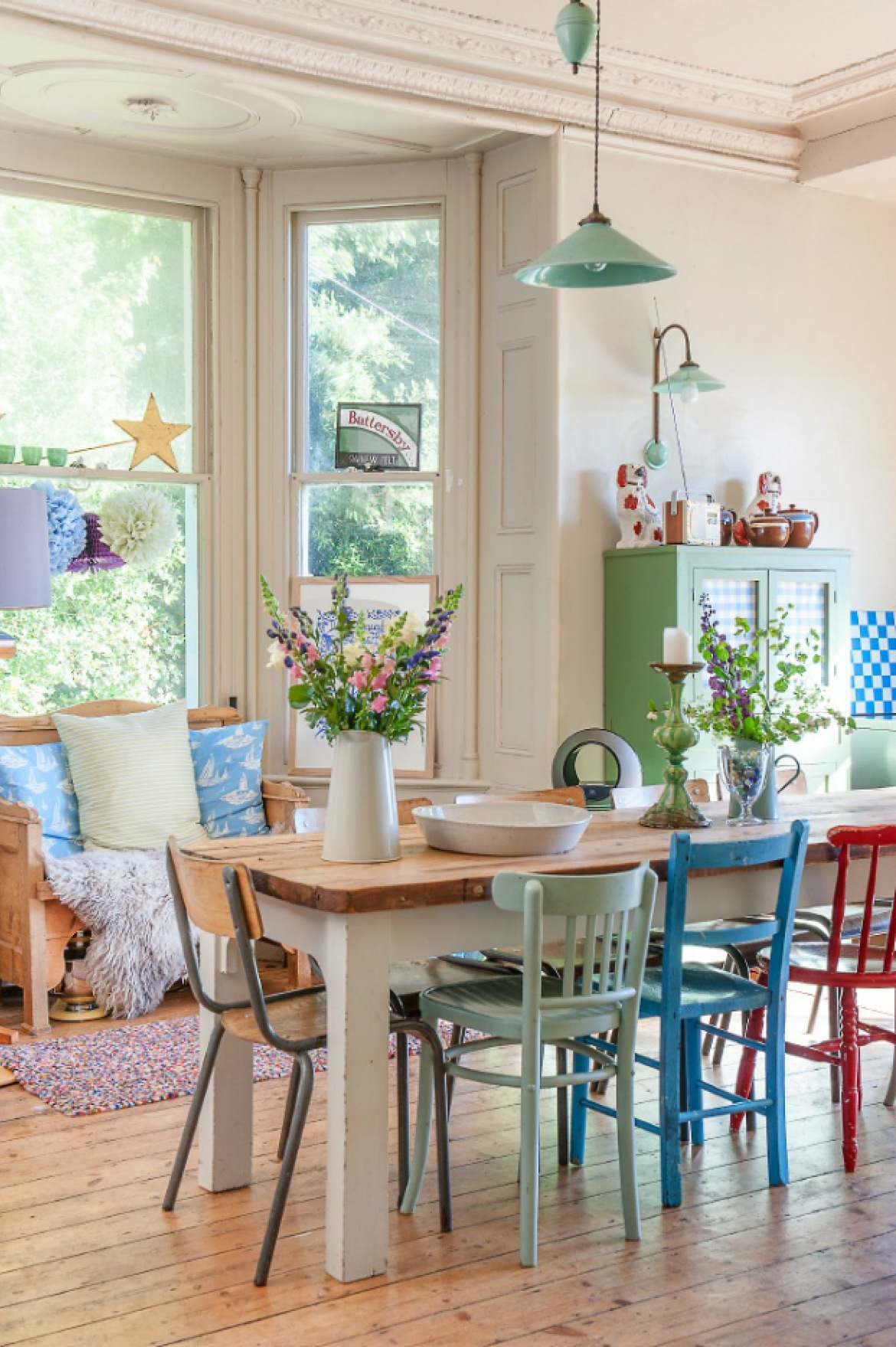 Introducing Colour Into Your Dining Room Decor Has Never Been So Easy 2