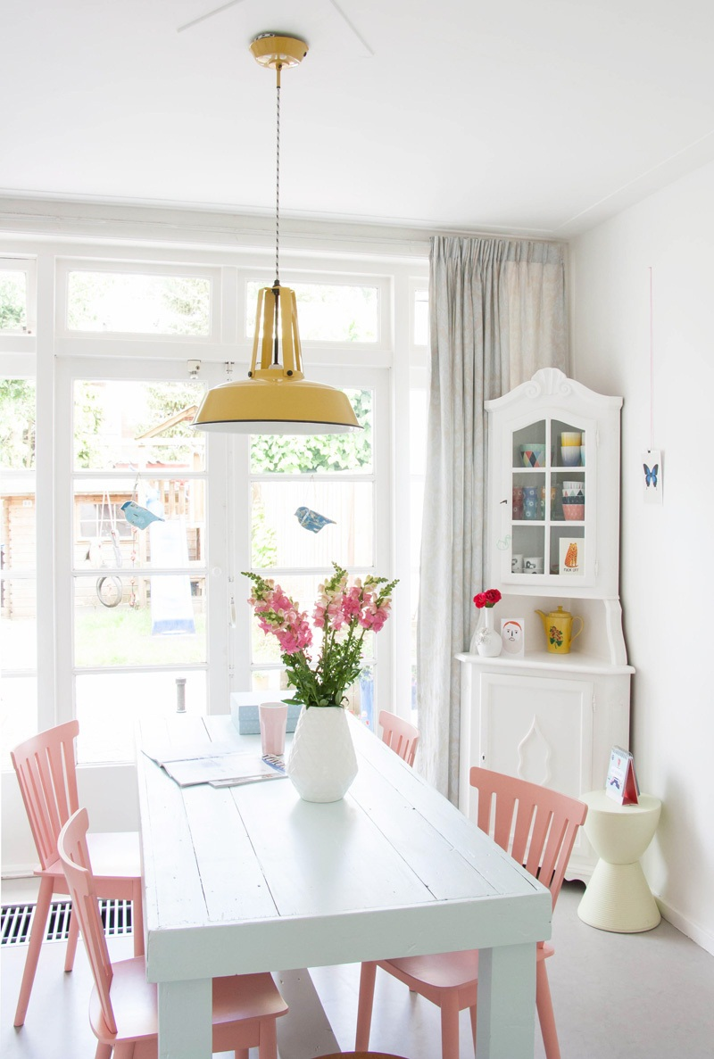 Introducing Colour Into Your Dining Room Decor Has Never Been So Easy 4