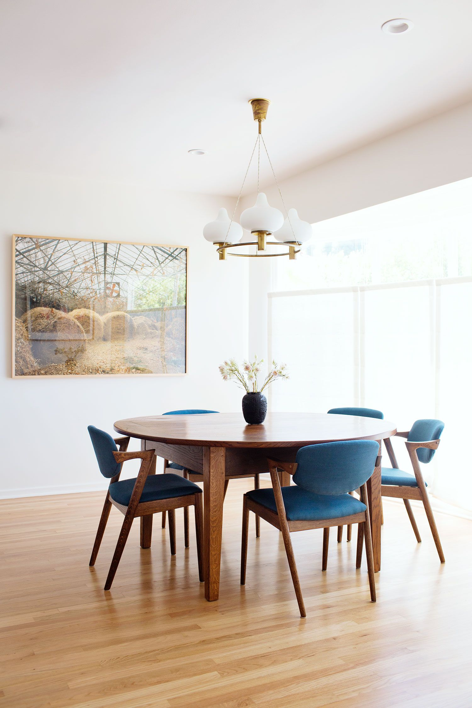 A Mid Century Dining Room Set Is Going To Be The Hit Wonder If Youre Looking For What Buy Next Year This One With Blue Tones When It Comes