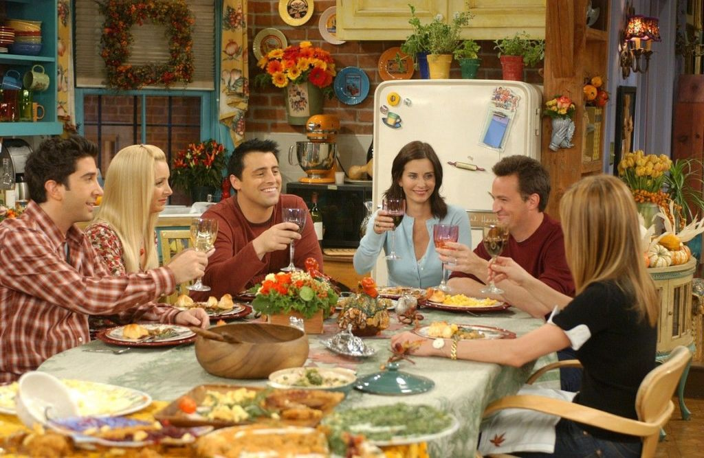 Thanksgiving Dining Room Decor According To Our Favourite TV Shows 2
