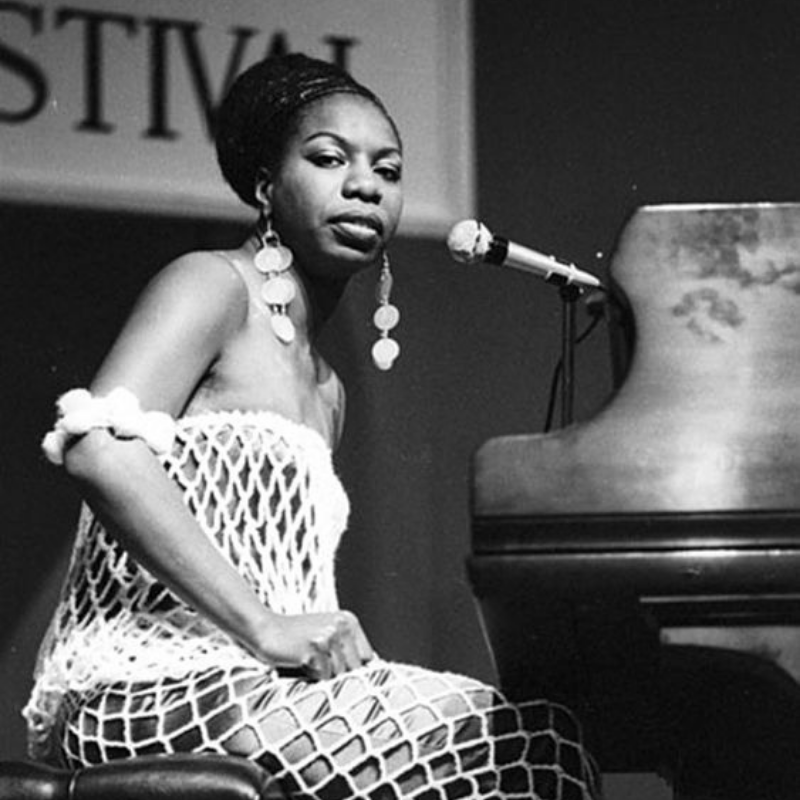 Celebrate Nina Simone's Life With The Best Lighting For Your Dining Room (2)