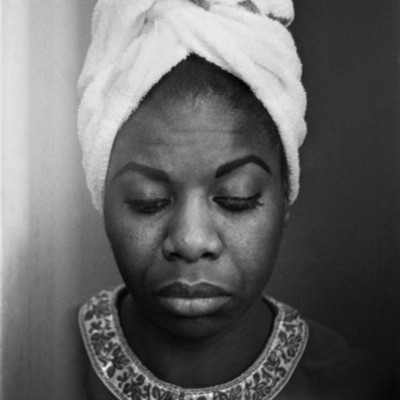 Celebrate Nina Simone's Life With The Best Lighting For Your Dining Room (3)