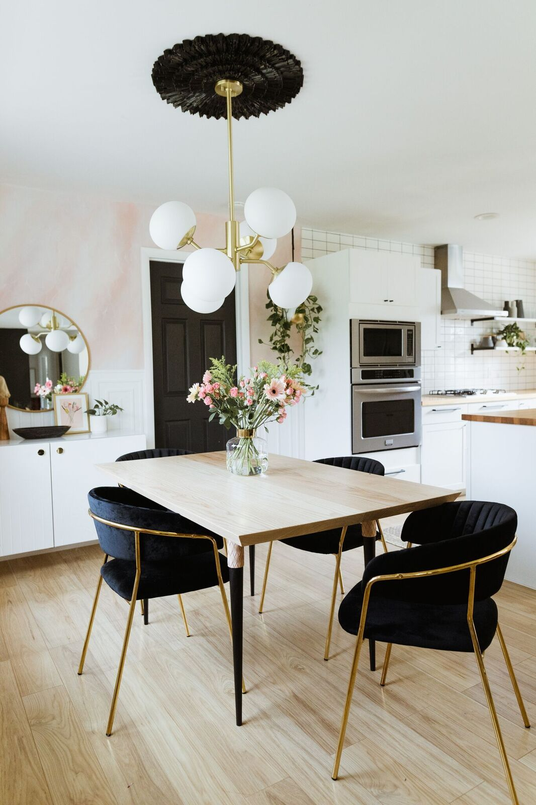Tres Chic Dining Rooms To Cause Dinner Guest Envy Dining Room Lighting
