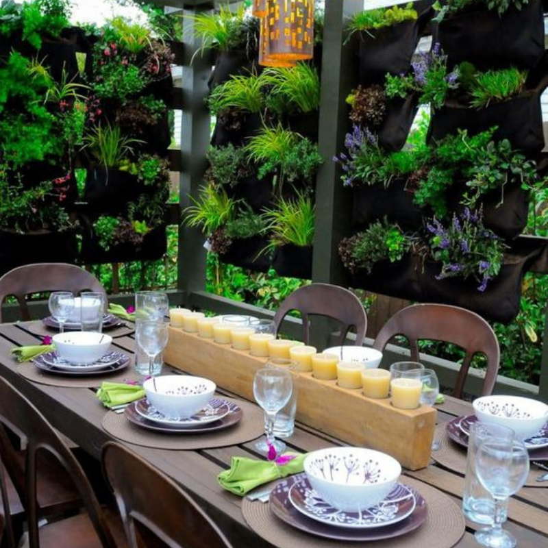 What's Hot On Pinterest Outdoor Dining Room Décor This Summer (3)