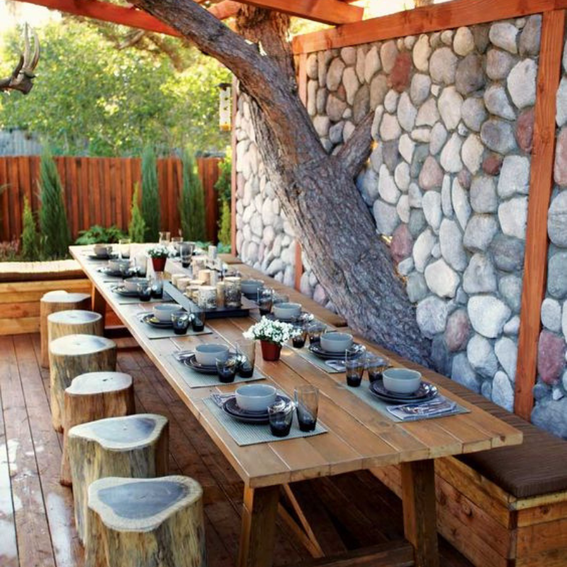 What's Hot On Pinterest Outdoor Dining Room Décor This Summer (5)