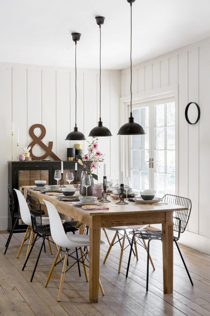 5 Quick Ways To Use Wood in Your Dining Room Design 2