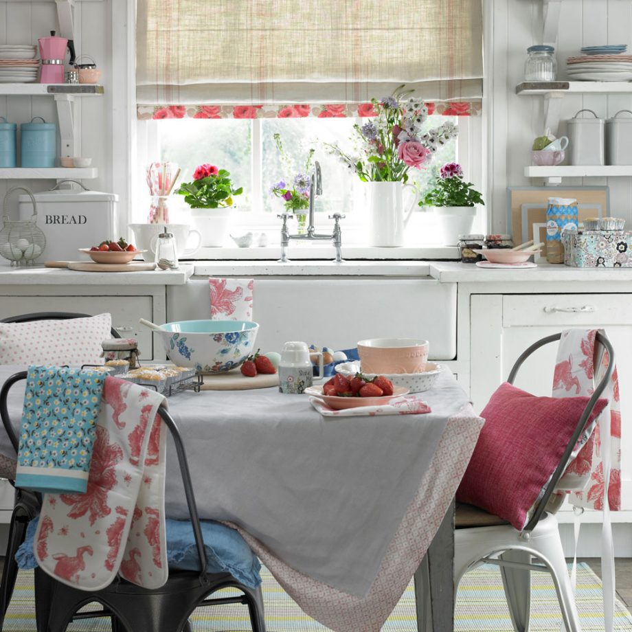 Shabby Chic Dining Room 1