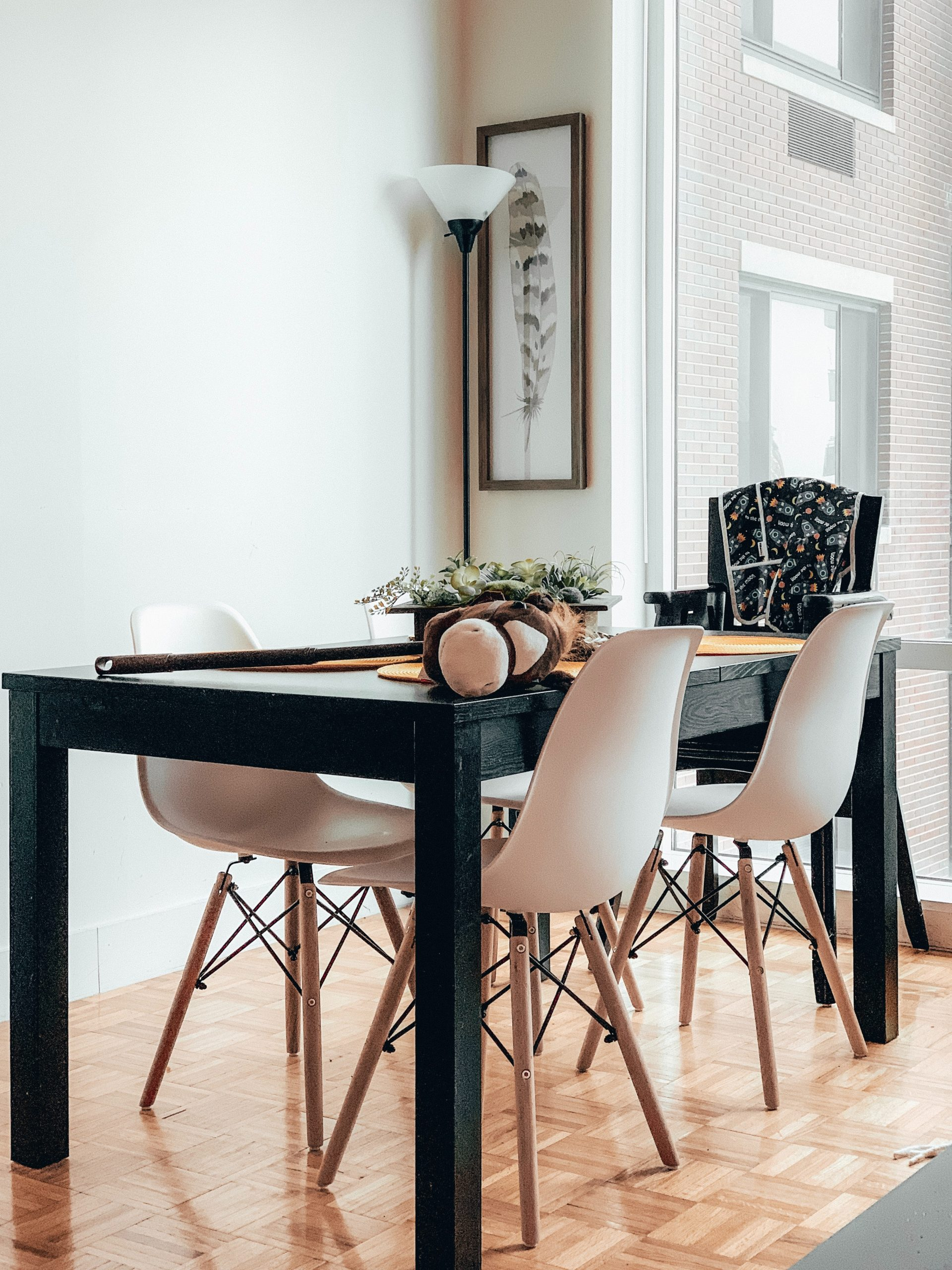 How To Create A Scandinavian Dining Room Design In 5 Simple Steps!